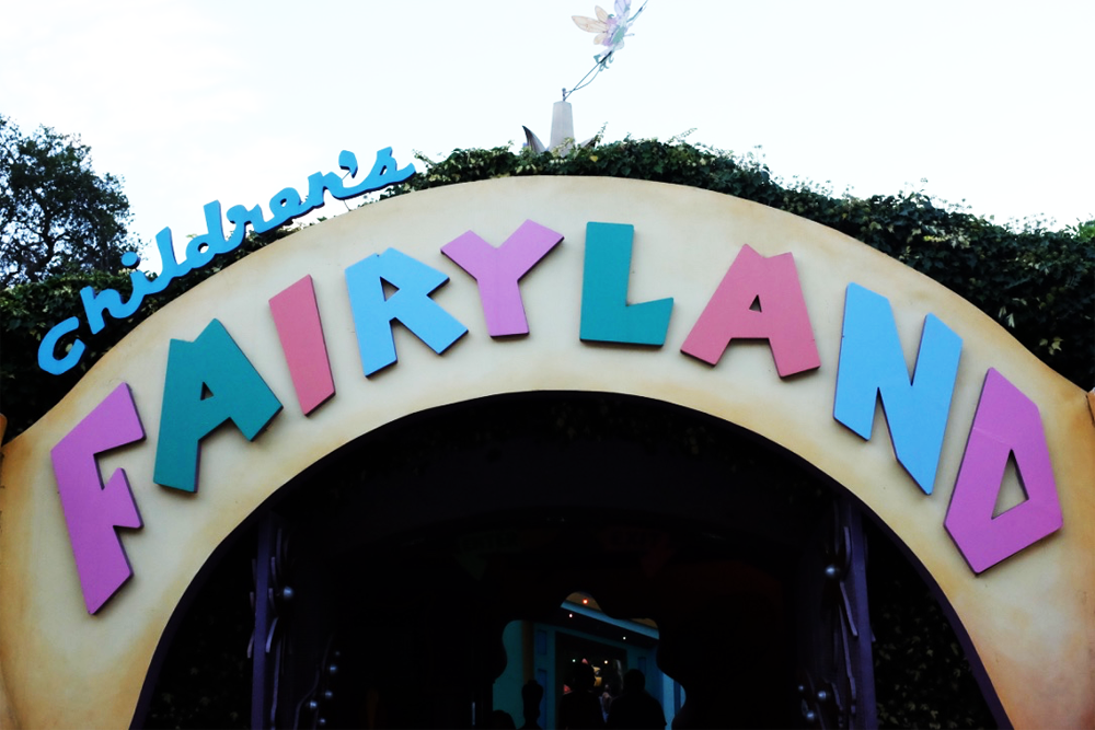 The entry sign to Oakland's Fairyland