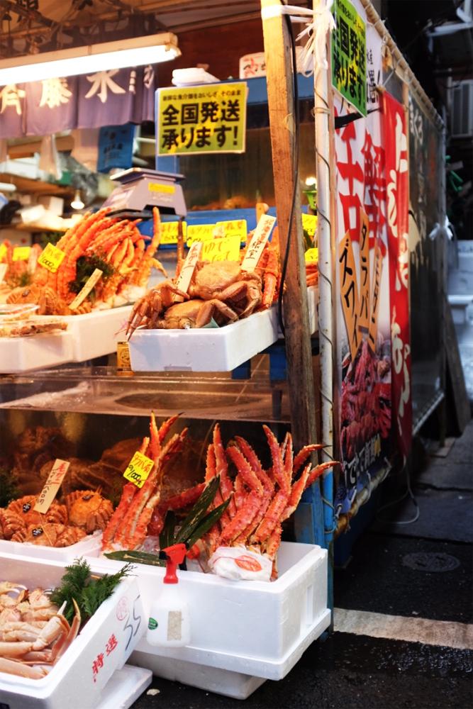 Crabs and crabs at Tsukiji Market in Tokyo