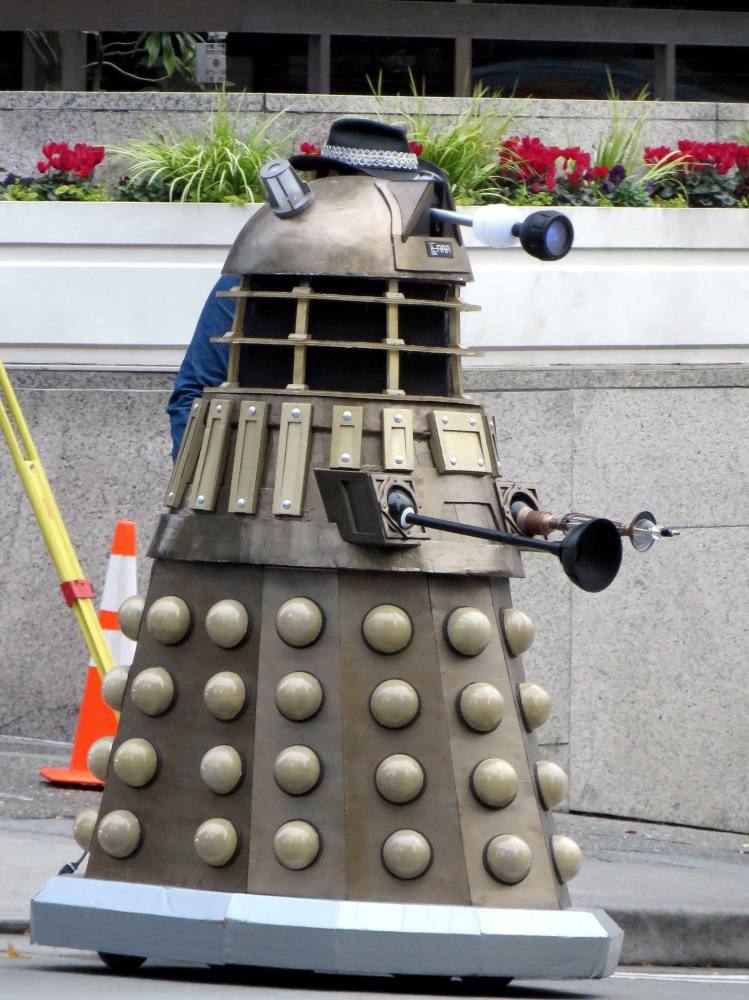 Seattle has a Dalek. Good to know.