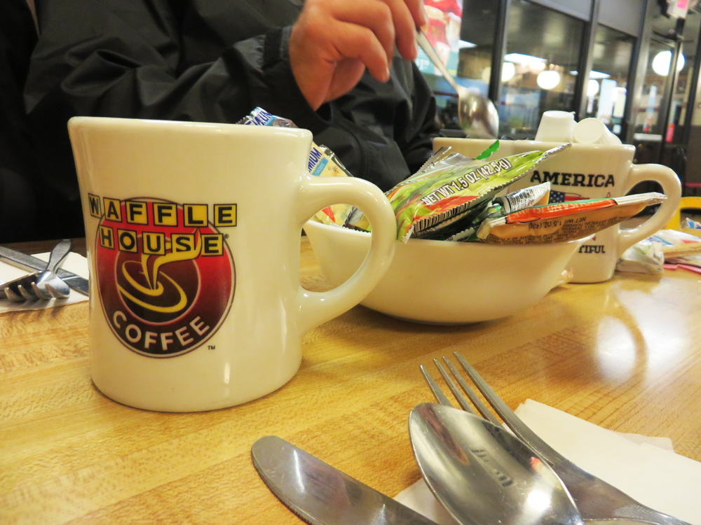 5 waffle house tablescape