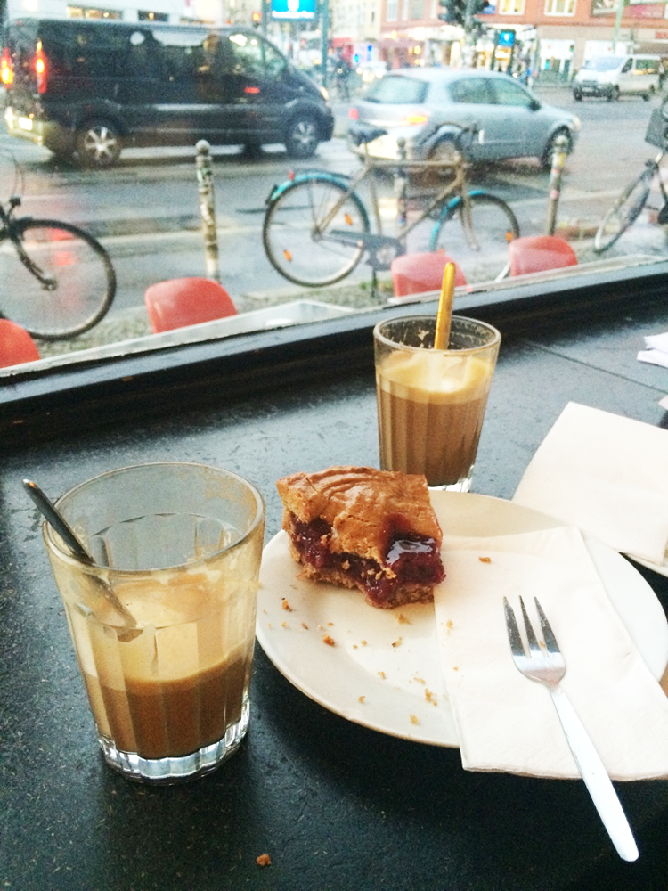 Flat whites and fruit tart at St. Oberholz in Berlin