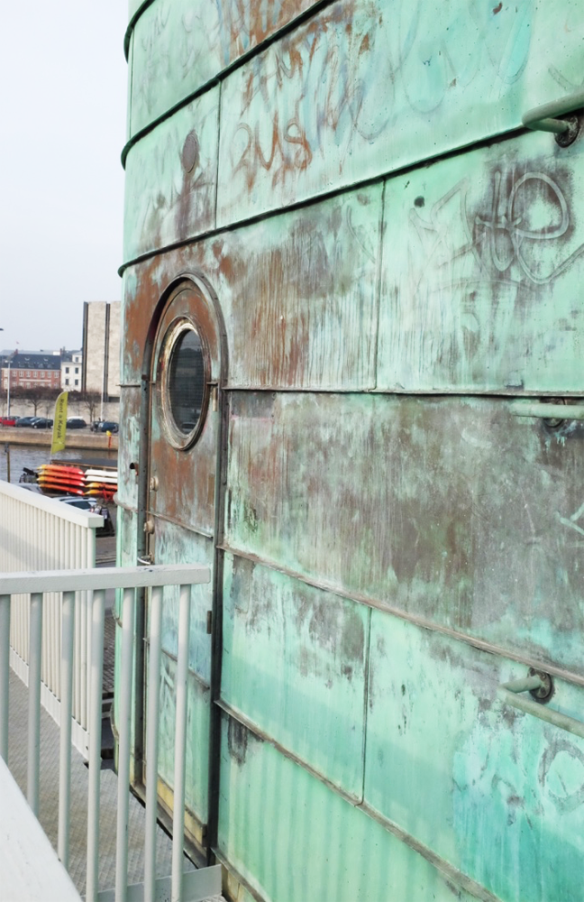The door and wall of a control tower of Copenhagen's Knippelsbro