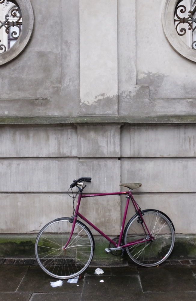 A lone bike, unmoored, in Copenhagen